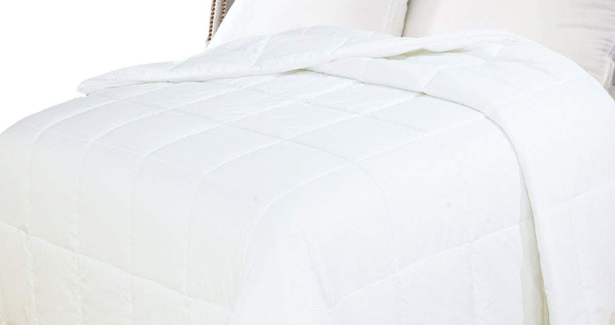 Natural Comfort Best Down Comforter Reviews by www.snoremagazine.com