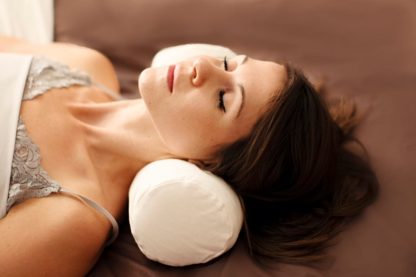 Pillow for Neck Pain Review by www.snoremagazine.com