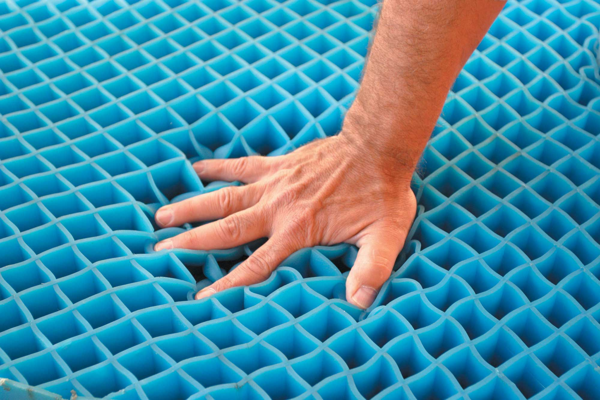 Gel Mattress Reviews and Buying Guide by www.snoremagazine.com