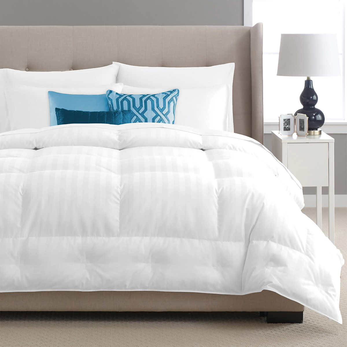 Pacific Coast - The Best Goose Down Comforter Review by www.snoremagazine.com