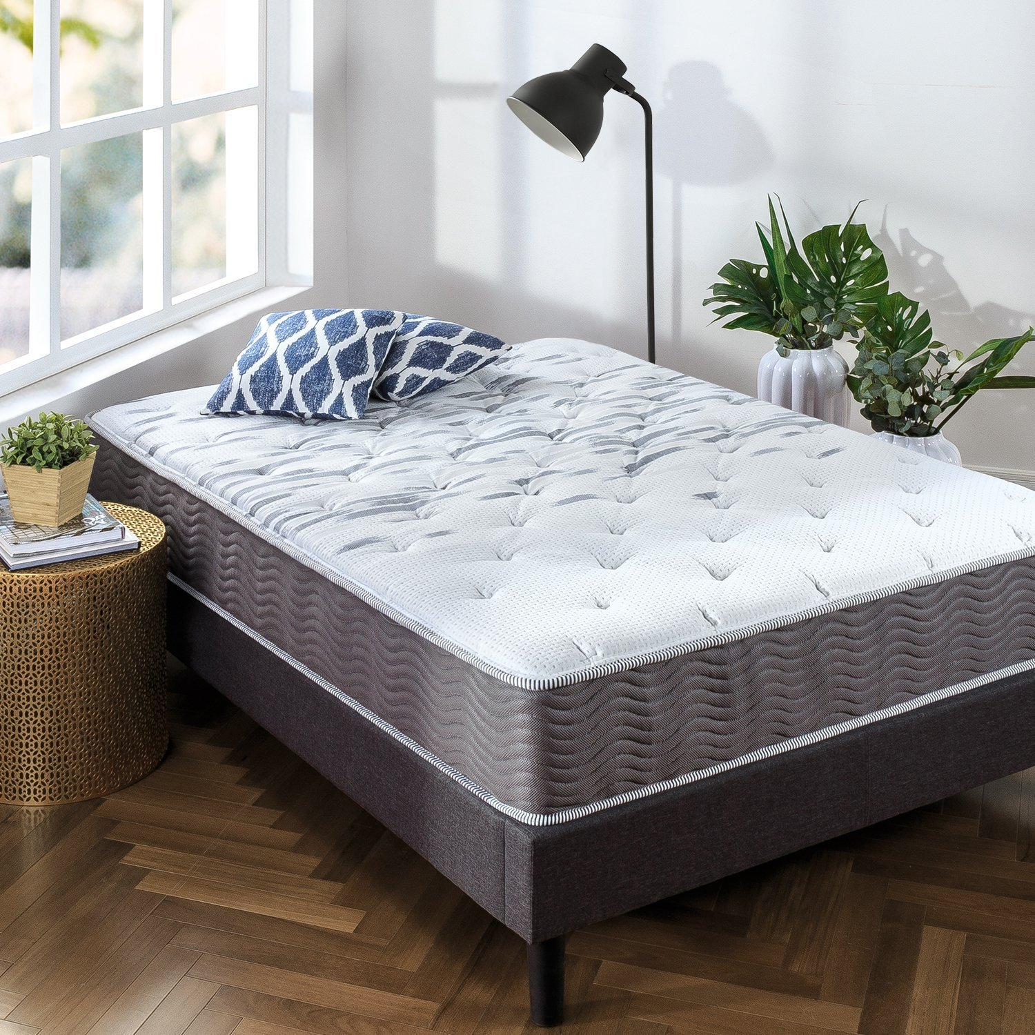 Zinus Best Innerspring Mattress Review by www.snoremagazine.com