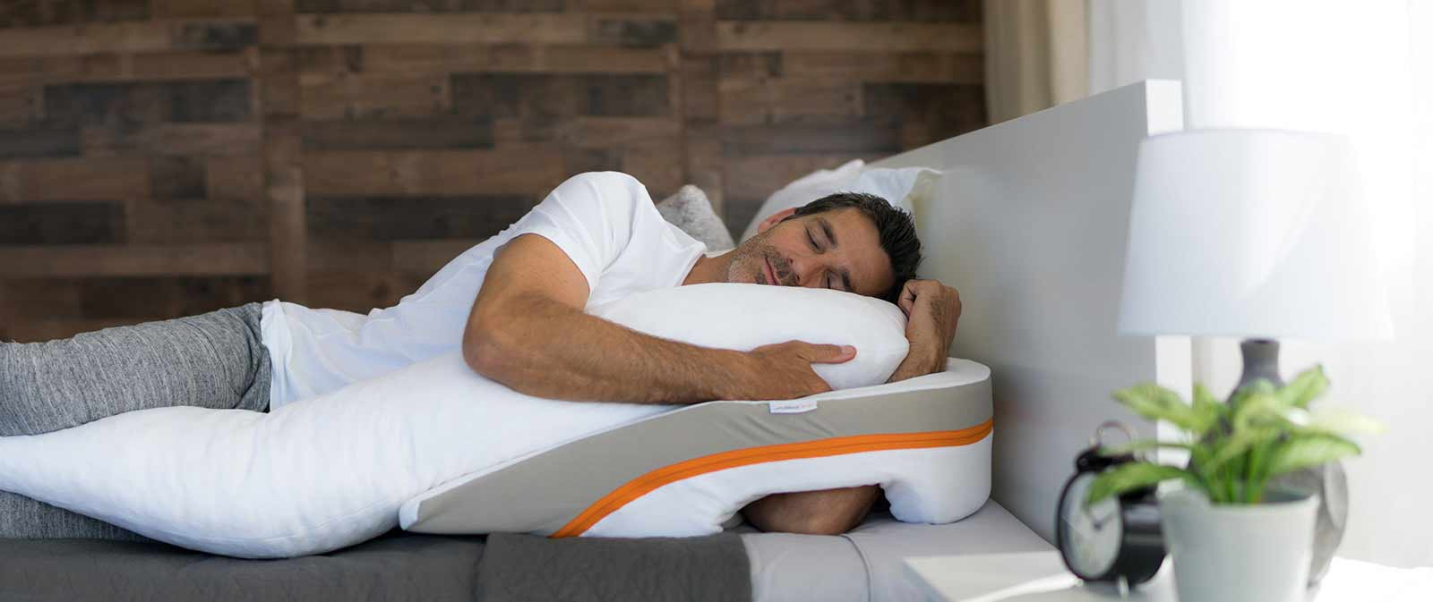 Acid Reflux Pillow Reviews and Buying Guide by www.snoremagazine.com