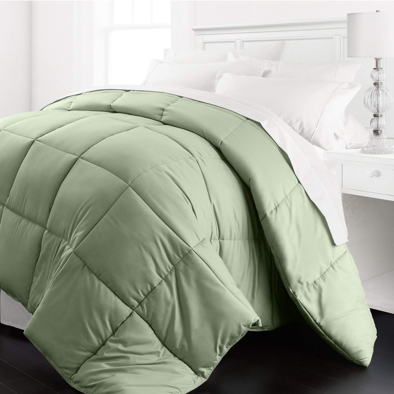 Beckham Hotel Collection Lightweight Comforter Review by www.snoremagazine.com