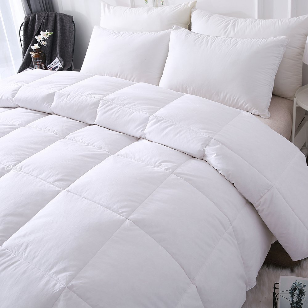 DOWNCOOL Lightweight Comforter Review by www.snoremagazine.com