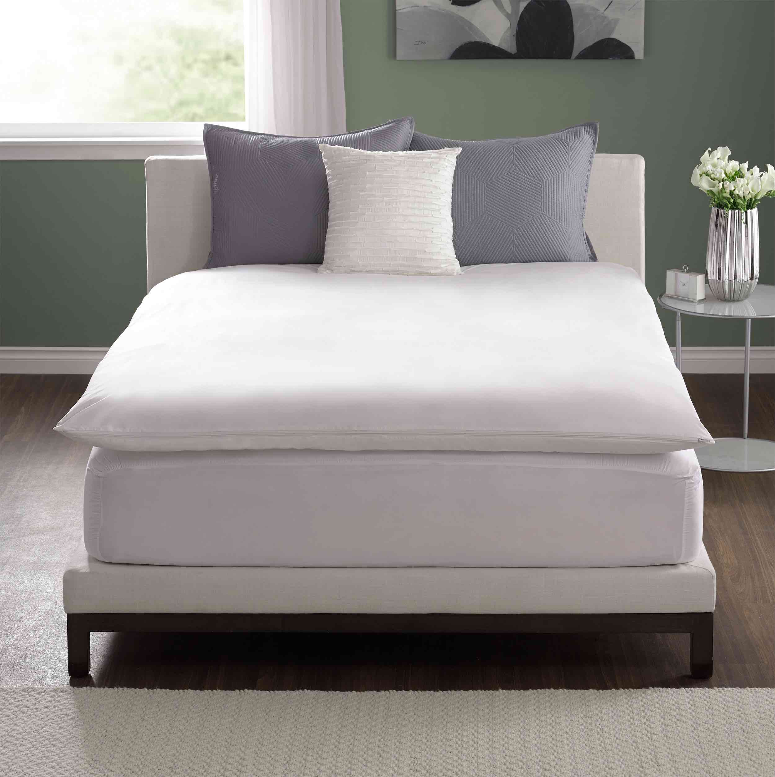 Pacific Coast Feather Mattress Topper Review by www.snoremagazine.com